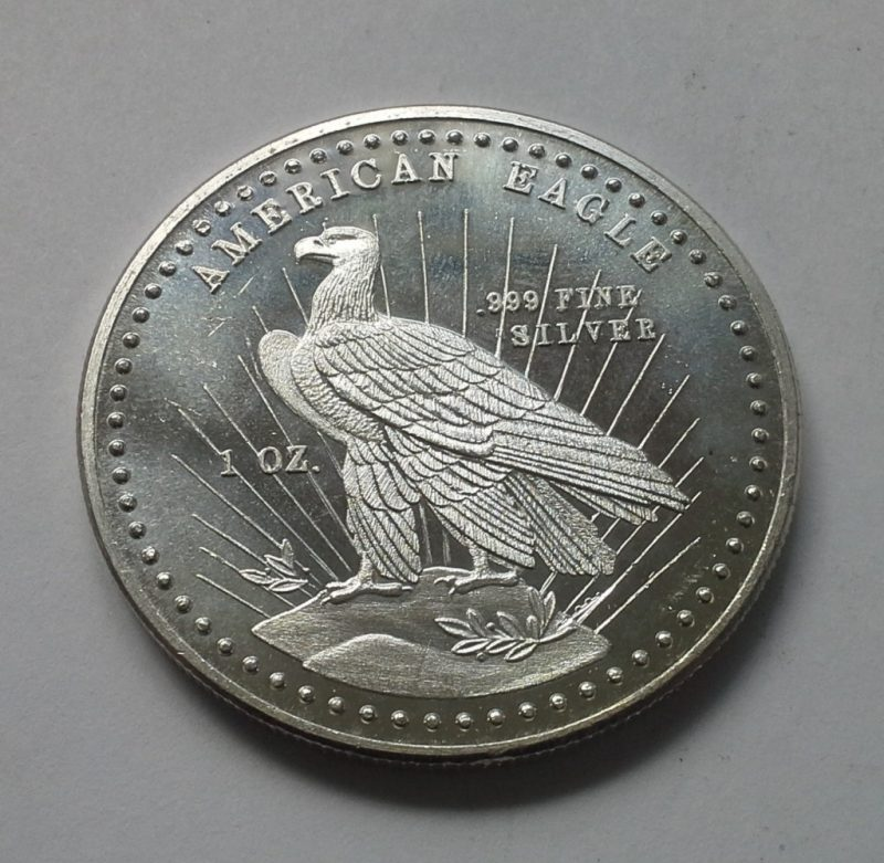 1981 World Wide Mint Vintage Silver Eagle 1 Oz 999 Silver